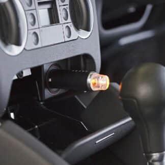 De Geursystemen voor thuis car diffuser drive time uitgevoerd met zwart leren omhulsel om in het design van de auto te passen