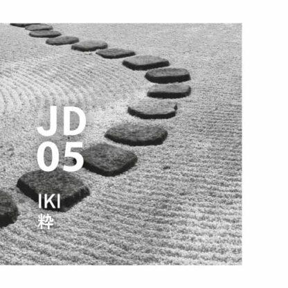 Japanese design air jd05 Iki. Een aroma van gratie en wijsheid, gemaakt met een fijngevoelige gevoeligheid. Ingrediënten: Hinoki, Juniper, Cypress, Rosalina, Spike-lavendel, etc.