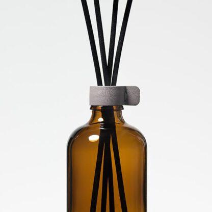 Stick diffuser komt in verschillende geurseries voor. Botanische geuren