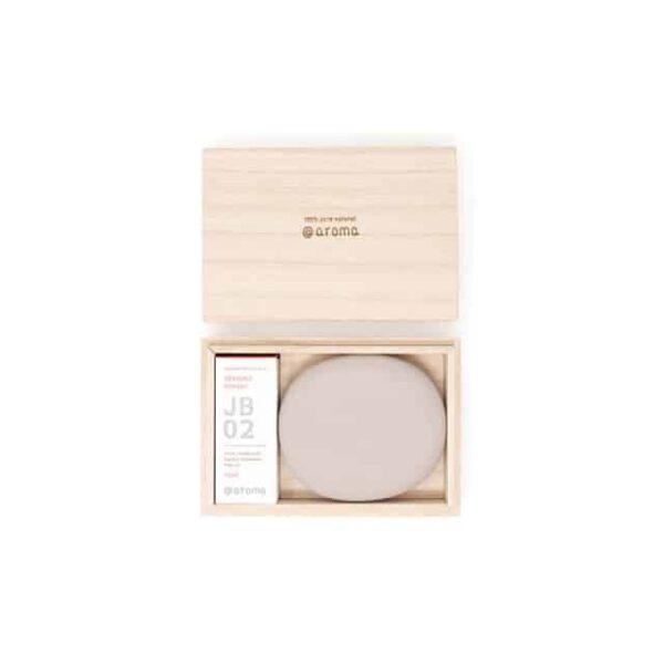 Dit is de Kiri box set tokoname bundle en die bevat een tokoname steen en een Japaans geur.
