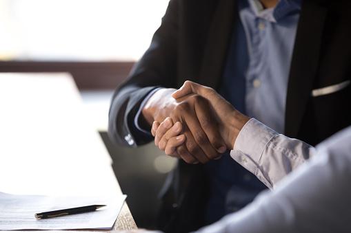 Effectieve klantenrelaties: klanten voelen zich goed in uw verkoopruimtes en willen terugkeren.